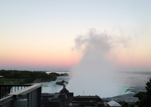 Horseshoe Falls at sunset